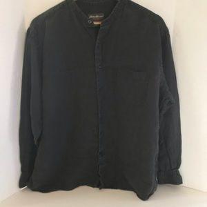 Men's linen button down.